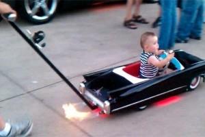 Caruciorul Cadillac pentru copii
