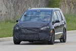 Imagini spion cu noul Ford Galaxy