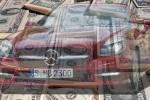 Deschide-ti un cont bancar si primesti un Mercedes nou
