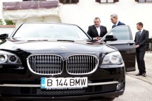 Automobile Bavaria Group oferă Majestății Sale Regele Mihai I o nouă limuzină BMW Seria 7 cu ocazia Zilei Regalității
