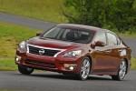 Imagini noi cu Nissan Altima 2013