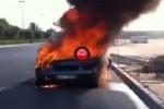 Intamplari din Kuweit: Un Lamborghini Gallardo in flacari