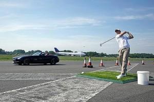 David Coulthard prinde o minge de golf la 290 km/h