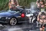 VIDEO: Un Audi R8 in flacari pe marginea drumului