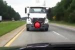Intre timp in America - Iata cum poti sa iti sperii sotia pe autostrada