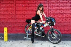 Dosar penal pentru cei ce conduc mopede fara permis