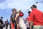 Iata ce ciupesc pilotii din NASCAR inainte de curse