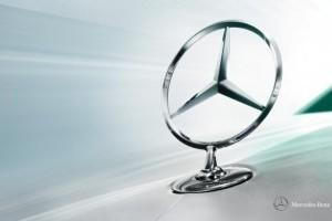 Mercedes, in continuare pe locul trei
