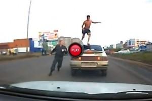 VIDEO: O urmarire intr-o dimineata racoroasa din Rusia