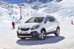 în siguranţă pe drumuri acoperite cu gheaţă şi zăpadă, alături de Opel