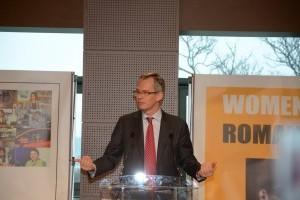 5555 de femei contribuie la succesul Renault Romania