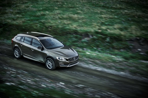 153895_volvo_cars_reveals_new_v60_cross_country