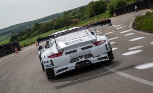 porsche-911-gt3-r-race-car-117-876x535