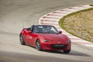 Mazda dezvoltă un program pentru clienții MX-5 din Europa