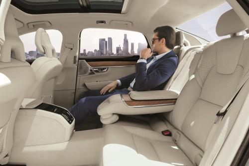 199953_volvo_s90_china_version_interior_rear_seat