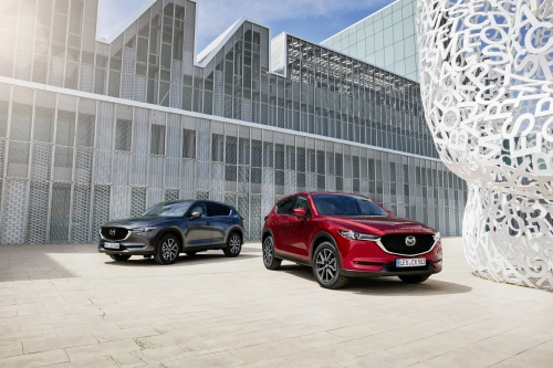 all-new-cx-5_bcn-2017_still_22_hires