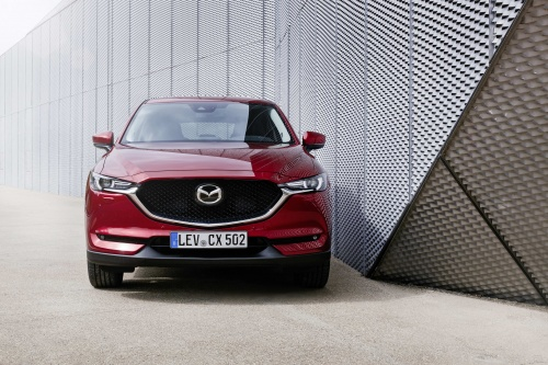 all-new-cx-5_bcn-2017_still_30_hires