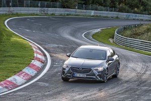 Opel Insignia GSi cucerește Nürburgring Nordschleife