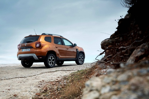 21200151_2017_new_dacia_duster_tests_drive_in_greece