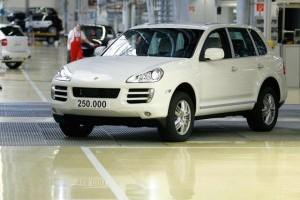 Productia lui Porsche Cayenne a ajuns la 250.000 de unitati