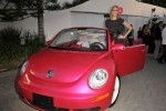 VW Beetle roz, promovat de Heidi Klum