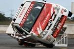 Timo Glock a mers cu Toyota Hilux pe doua roti