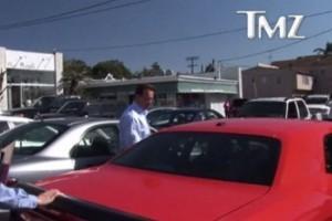 Vedete si masini: Arnold Schwarzenegger & Dodge Challenger SRT8