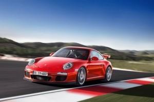 Porsche 911 GT3 mai rapid ca Nissan GT-R?
