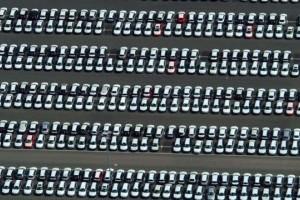Piata auto scade cu 50,8% in primele 4 luni