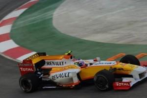 Demonstratie Renault cu monoposturi din Formula 1 la Bucuresti