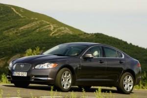 Jaguar pregateste XF break si hatchback