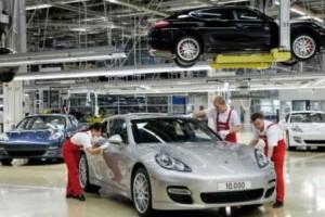 Porsche a produs 10.000 unitati Panamera