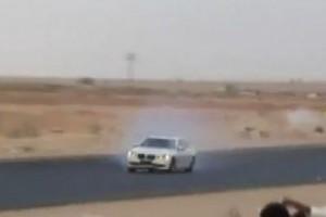VIDEO: Drift-uri cu BMW Seria 7 la arabi