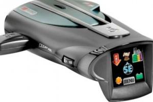 Cobra a lansat primul detector radar cu touchscreen