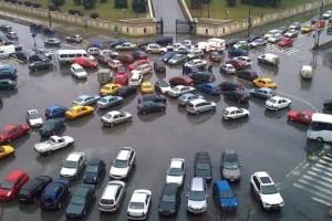 Sacderea pietei auto cauzeaza un declin al afacerilor din comert
