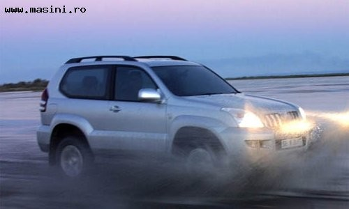 Toyota Land Cruiser 120 3 usi, Numar usi